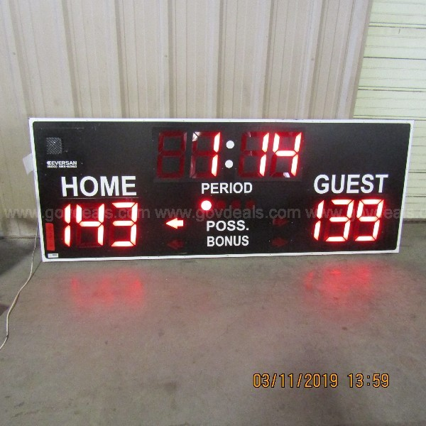 SCORE BOARD AND REMOTE FOR ATHLETIC FIELD