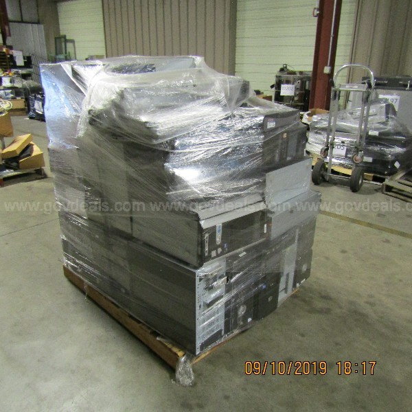 LOT OF  COMPUTERS ON A  PALLET