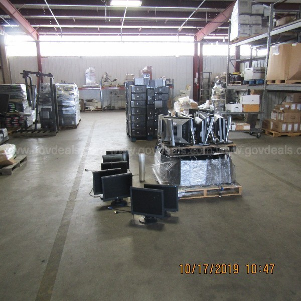 LOT OF 55 COMPUTERS & 55 MONITORS ON 2 PALLETS