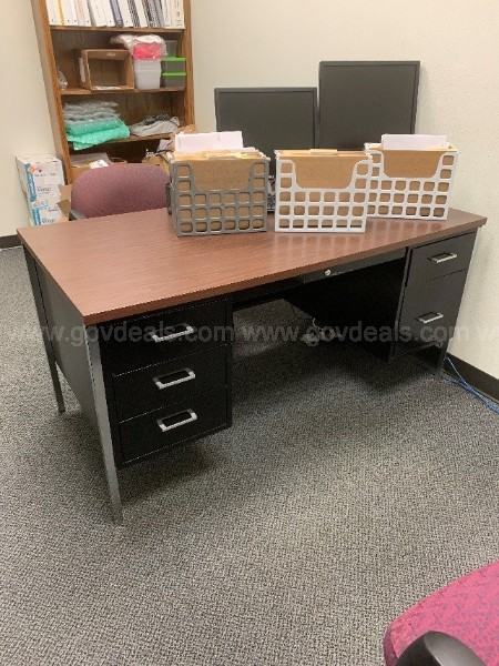 Lot of tables and other office furniture