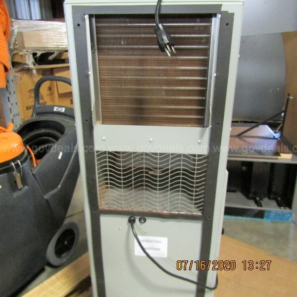 BLACK SERVER CABINET WITH A/C UNIT