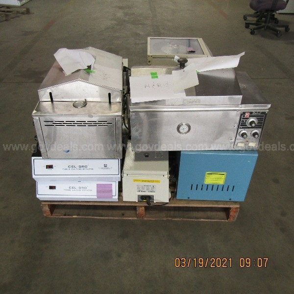 INCUBATOR AND OTHER ITEMS ON A PALLET