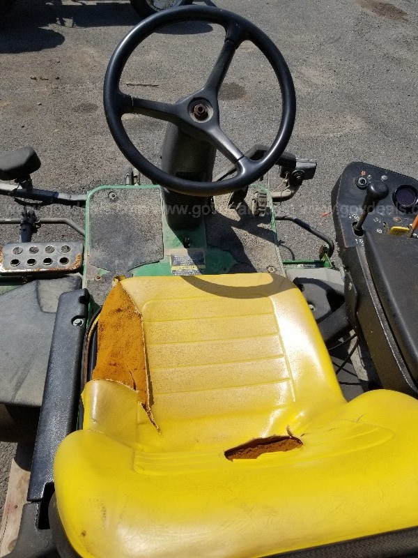 1999 DEERE 2500 GREENS MOWER - FOR PARTS DOES NOT RUN