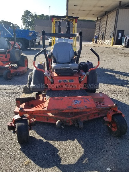 "2011 BAD BOY PRO-Z SERIES 72"" ZERO TURN MOWER - DIESEL ENGINE"