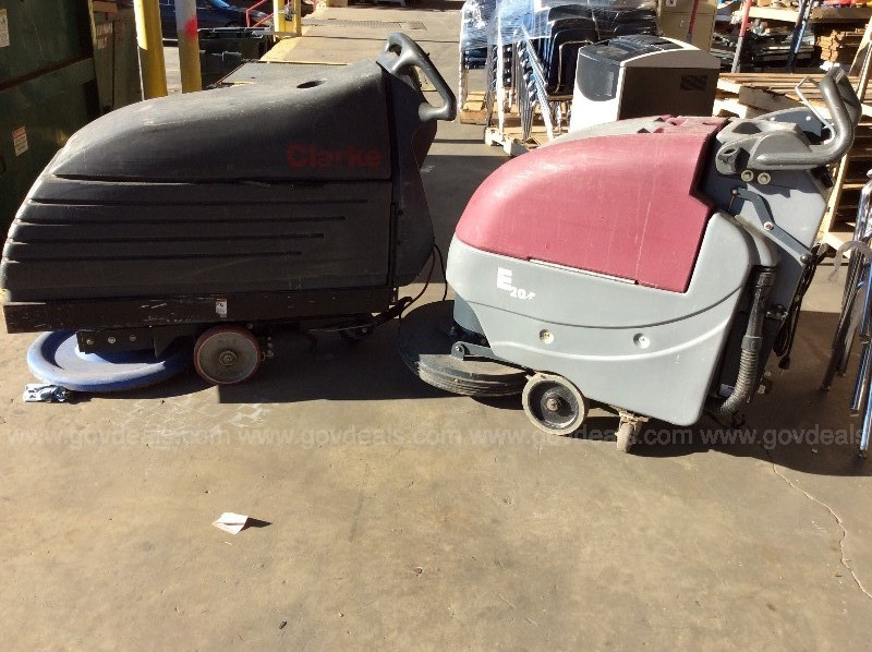 (2) Used floor cleaning unit for parts