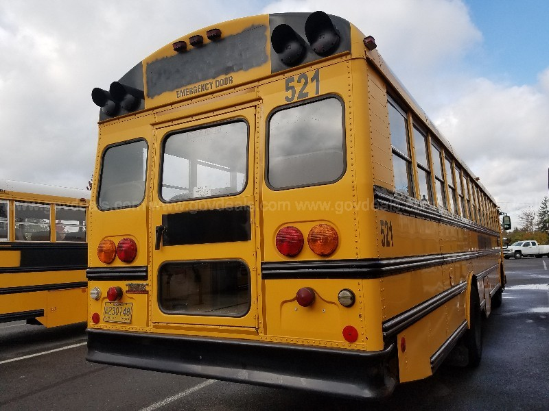 2005 Thomas MVP (Front Engine) 83 Passenger School Bus
