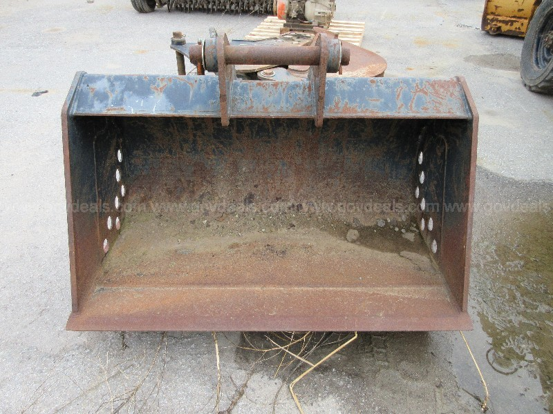 "Ditching Bucket, Cat Attachment 47"" Wide"