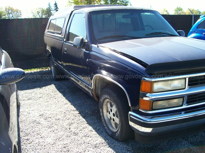 1995 Chevrolet C/K 1500 Reg. Cab W/T 6.5-ft. bed 2WD