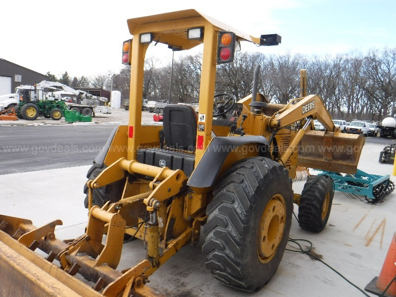 "2002 John Deere Model 210LE Tractor/Loader w/88"" Box Scraper"