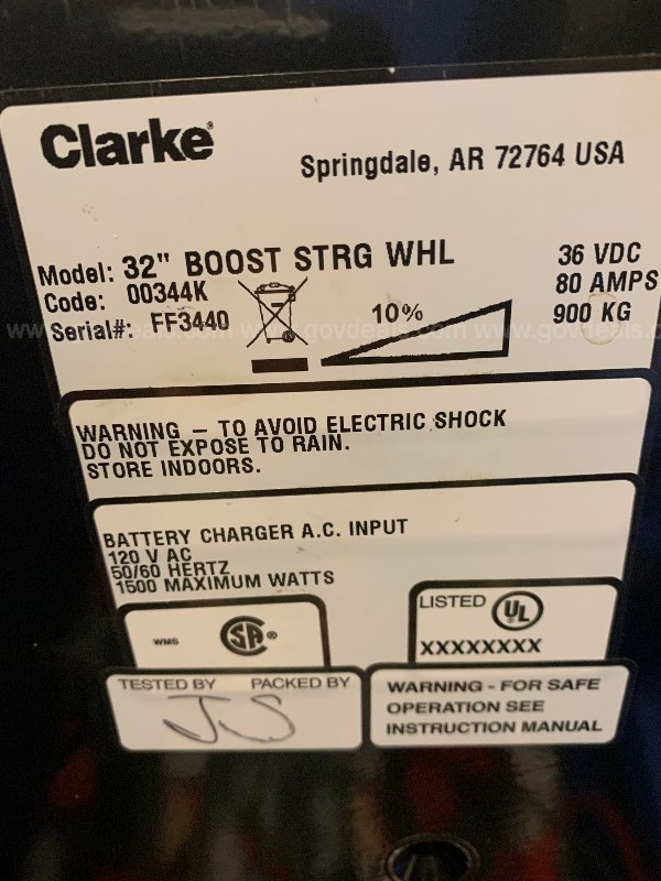 "Clark 32"" Boost Strong Wheel scrubber"