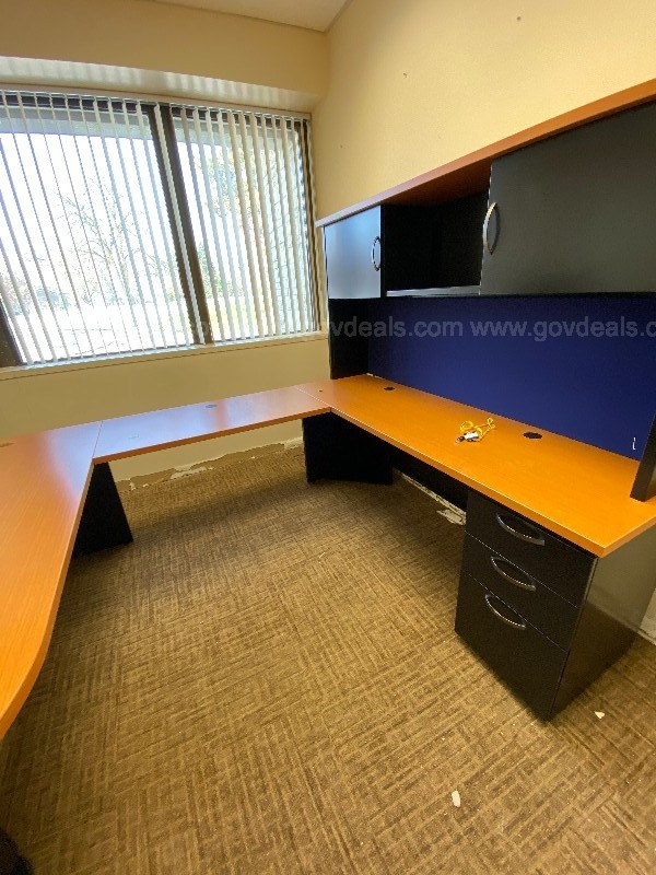 U-Shaped Desk Set - Office - VACATING BUILDING FOR REMODELING!