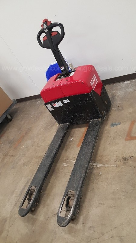 Powered pallet jack