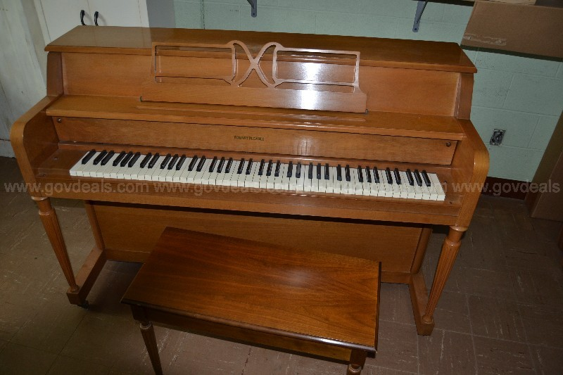 Hobart Cable Upright Piano