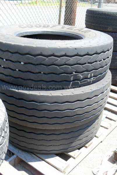 Three Goodyear g289 Tires - Size 315-80-22.5
