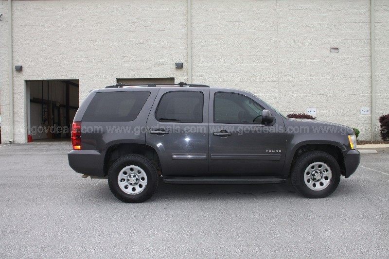 2010 Chevrolet Tahoe LS 4WD - AGENT VEHICLE
