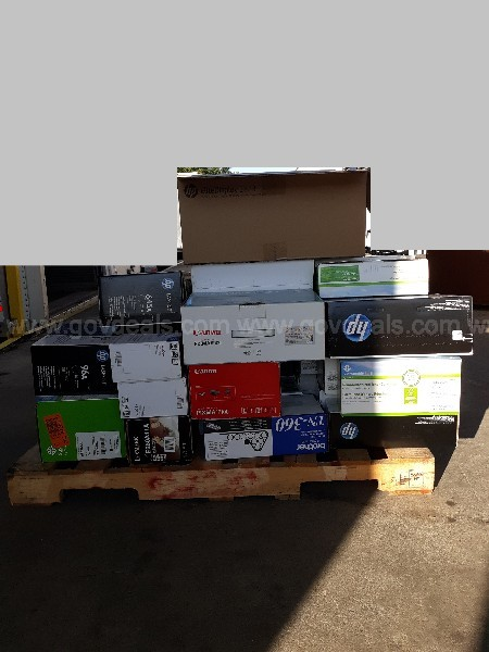 Lot of Miscellaneous Toner Cartridges ( 1 Pallet)