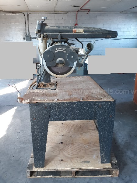 B&D Dewalt Radial Arm Saw