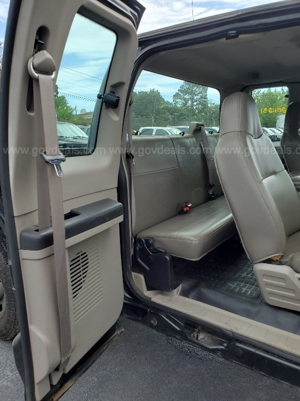 2008 Ford F-250 SD XL SuperCab 4WD, Automatic, Gas, 5.4L V8