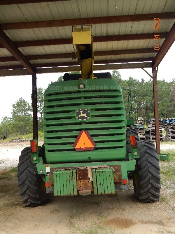 John Deere 7400 Forage Harvester W/ attachments