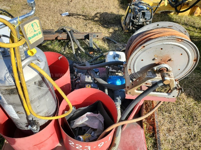 2002 Southern Farm Equipment Herbicide Sprayer