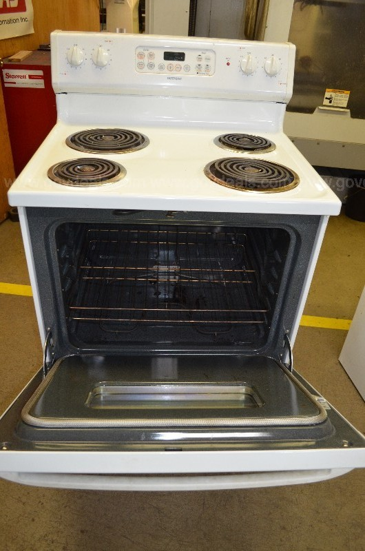 Hotpoint Electric Range Model # RB757WH5WW
