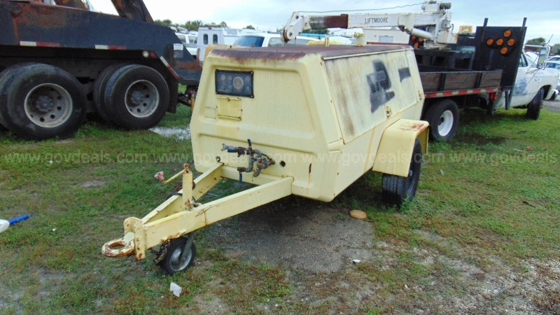 24-0702/  Ingersoll Rand trailer mounted air compressor .WASD 21-04 # 27