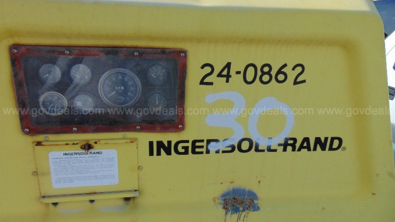 24-0862/ Ingersoll Rand trailer mounted air compressor .WASD 21-04 # 30