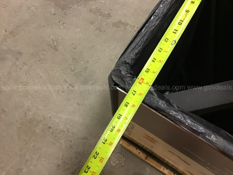 Lot of 8 refuse containers, 2 different sizes.