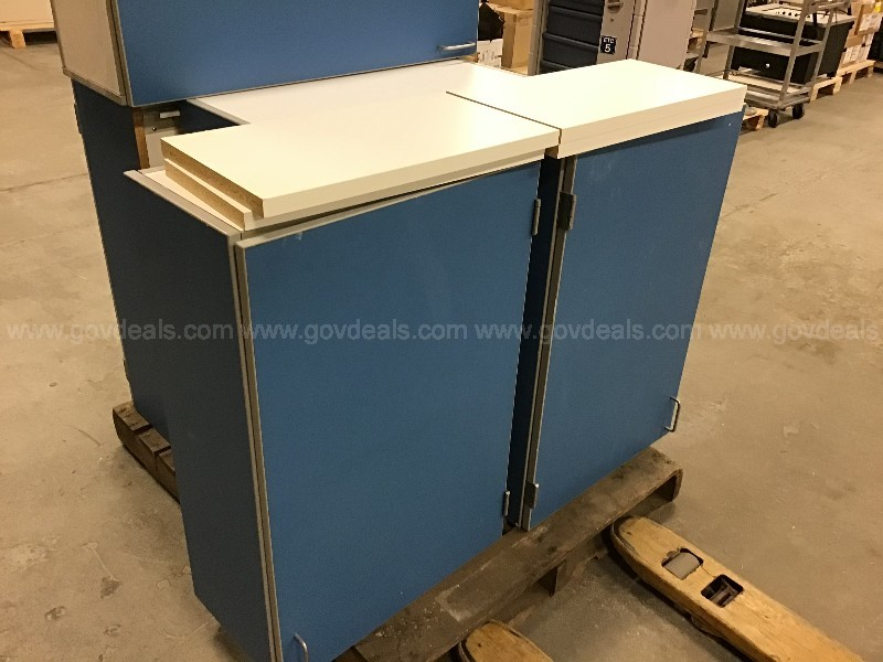 Lot of 5 wall hanging cabinets some with shelves
