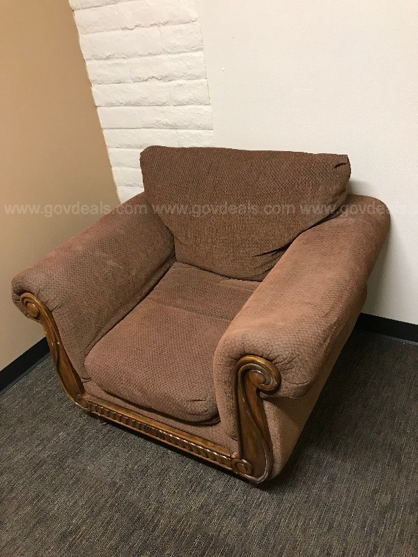 BROWN CLUB STYLE ARMCHAIR