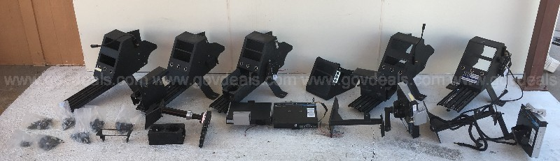KODIAK MOBILE JOTTO DESK DOCKING STATIONS AND VEHICLE MOUNTS GROUP LOT