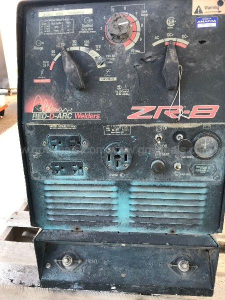RED-D-ARC ZR8 WELDER