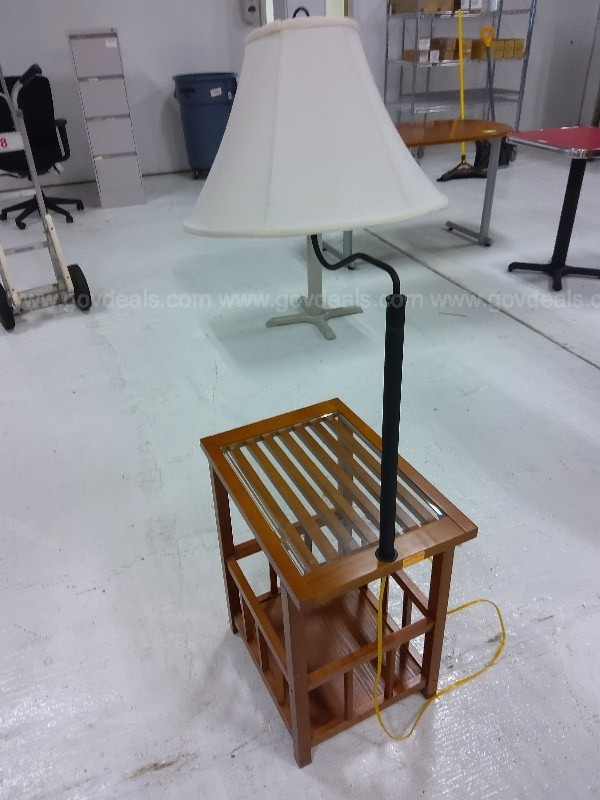 Side Table w/ Lamp