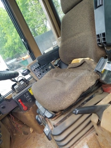 1995 Caterpillar IT24F Front End Loader