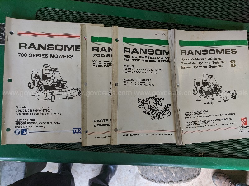 "Ransome - Cushman DIESEL Front Line 728D with 72"" Mower Deck"