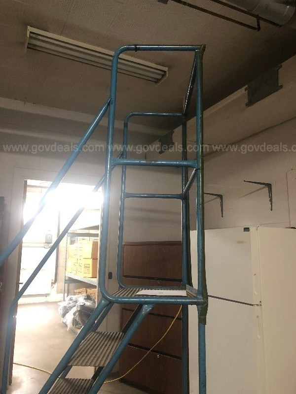 5 Step movable stocking staircase