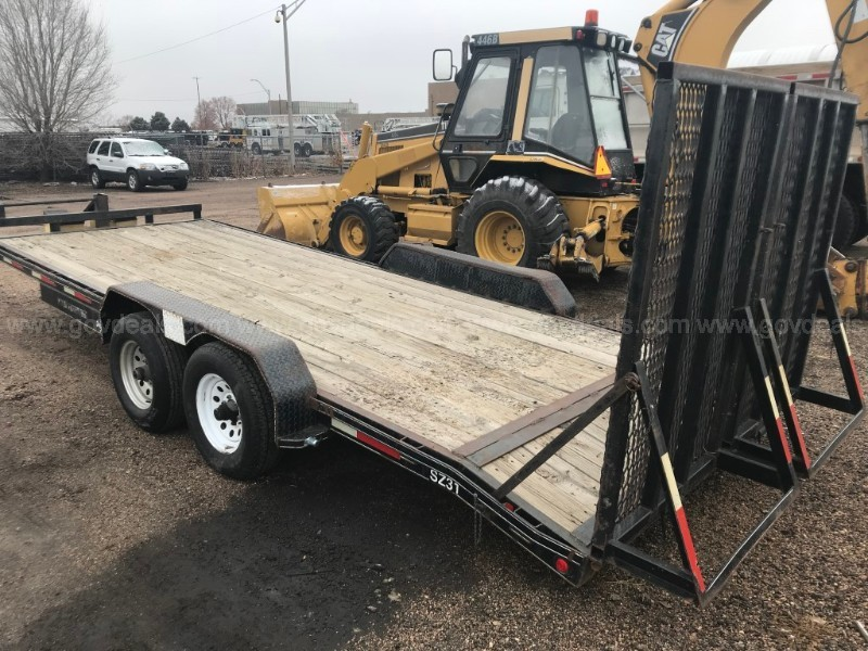 2003 Rocking Chair Mfg Dual-Axle Trailer with Ramps