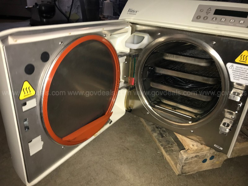 Autoclave: Midmark Ritter M11 UltraClave (ID#10826)(AtMedLk)(19-1018-3 DOC)