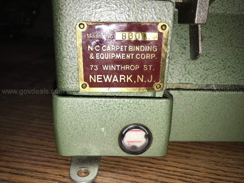 Sewing Machine/Serger/Binder (ct.2) (ID #13088) (AtMedLk)