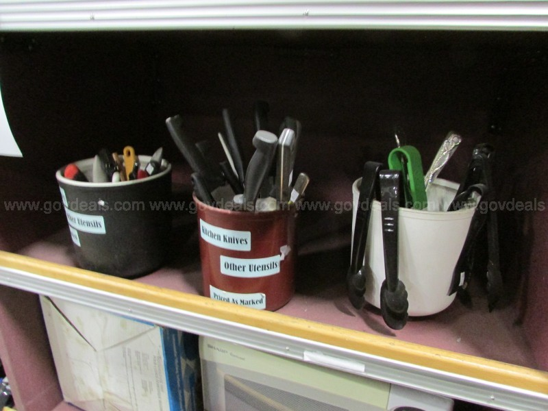 Clearance Kitchen Lot - Supplies On The Rack (ID #15298) (A1#3) (No UPC)