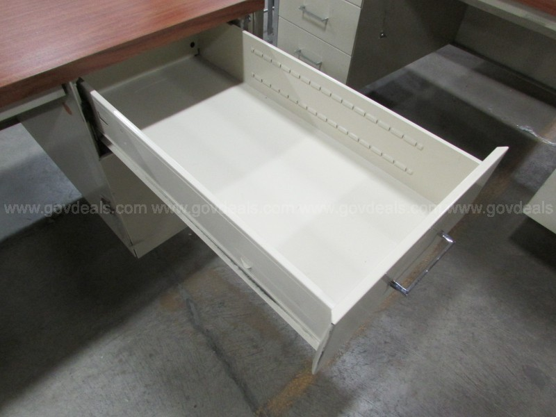Metal Desk - 5DR Wood Laminate Facade, Off-White Accent (ID #16992) (G4)
