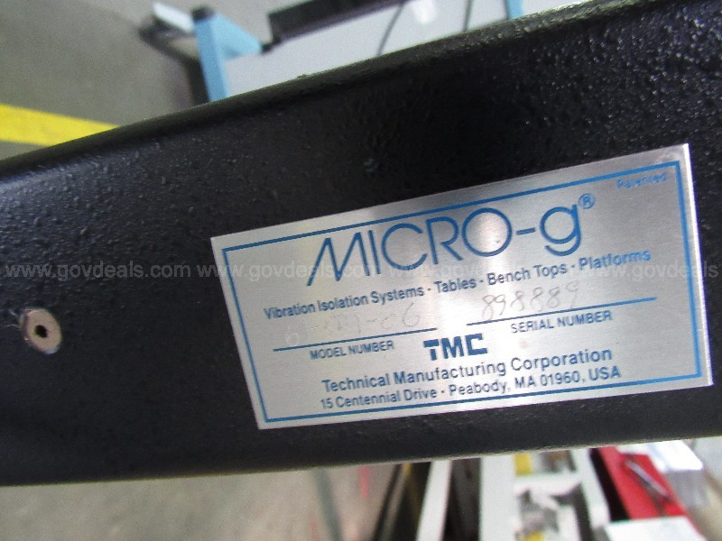 02-141  Micro-g Non-Vibration Lab Table