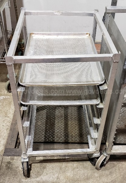 Lot of 4 Cooling Racks on Casters