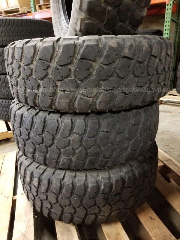 Set of 4 BFGoodrich Mud Terrain T/A Tires